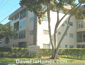 Arrowhead condos in Davie Florida