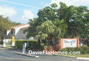 Saddle Up townhouses in Davie Florida